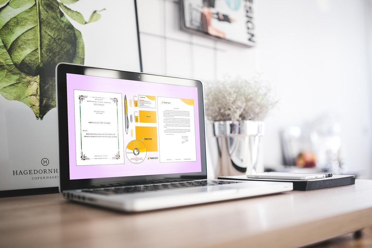 Laptop Lenovo ThinkPad T14 to niezwykle wydajna i mobilna zarazem maszyna, która poradzi sobie z większością zadań przed nią stawianych